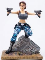 Figúrka Tomb Raider III - Lara Croft (30 cm)
